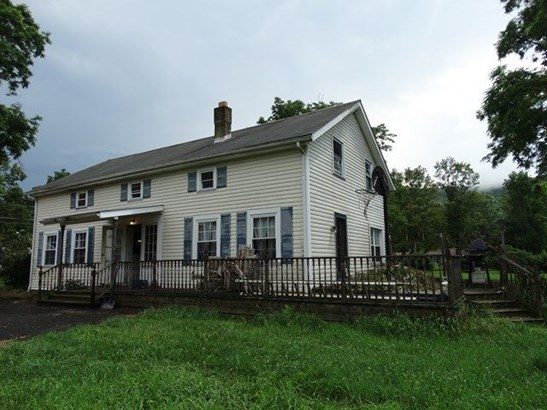 40 Mill Street, Coopers Plains, NY - USA (photo 1)
