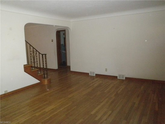 251 E 286th St, Willowick, OH - USA (photo 5)
