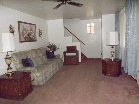 416 Overbrook Blvd, Mount Oliver, PA - USA (photo 5)