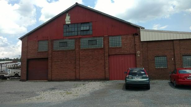 Recently updated!   Lease or purchase. (photo 1)