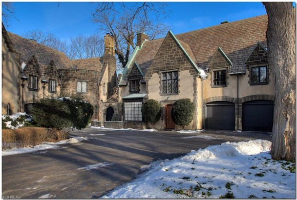 12415 Fairhill Rd, Cleveland Heights, OH - USA (photo 1)