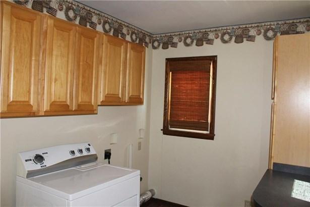 887 Ernst Place, Meadville, PA - USA (photo 5)