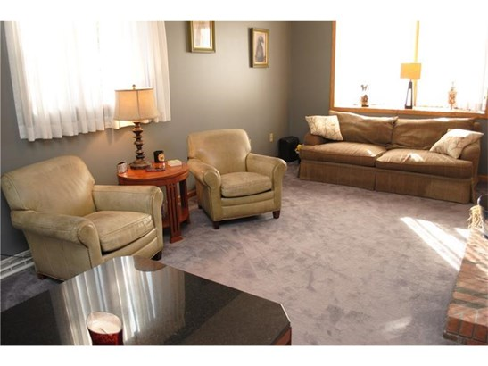 384 Willow Hedge, Monroeville, PA - USA (photo 4)