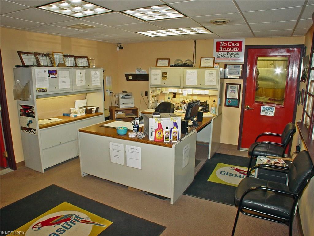 298 Johnsonville Rd, Chester, WV - USA (photo 2)