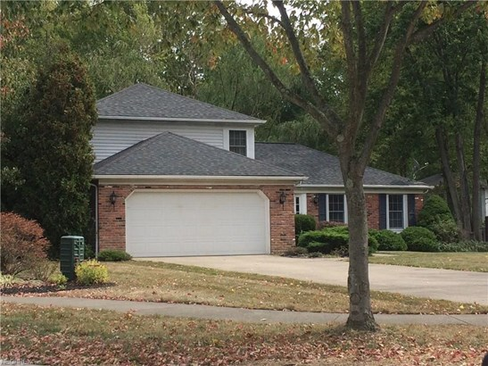 8339 Old Post Rd, Olmsted Falls, OH - USA (photo 2)