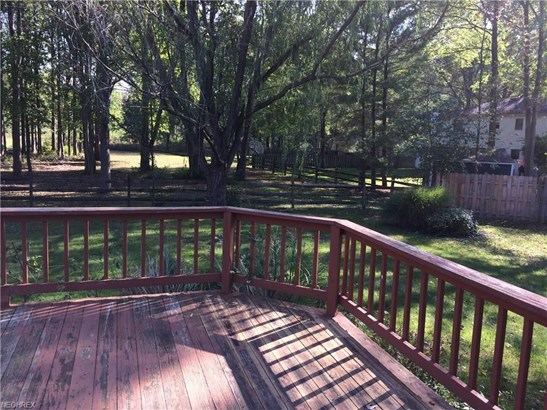 8339 Old Post Rd, Olmsted Falls, OH - USA (photo 3)