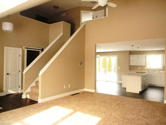 750 Thewes Cir, Louisville, OH - USA (photo 2)