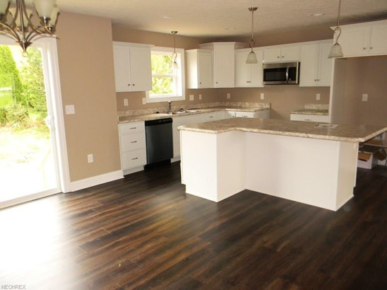 750 Thewes Cir, Louisville, OH - USA (photo 4)