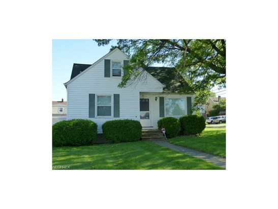 13104 Thraves Ave, Garfield Heights, OH - USA (photo 1)