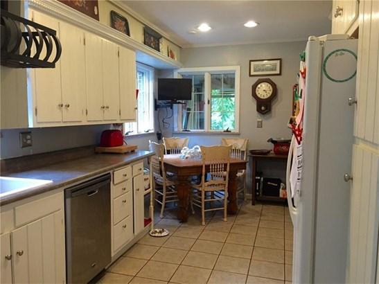 3447 Ellwood, Castle, PA - USA (photo 4)