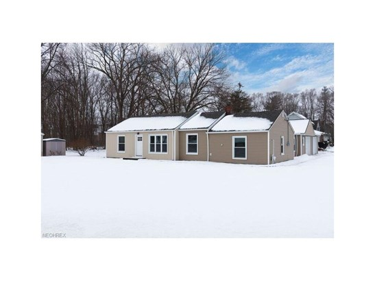 23162 Mastick Rd, North Olmsted, OH - USA (photo 1)