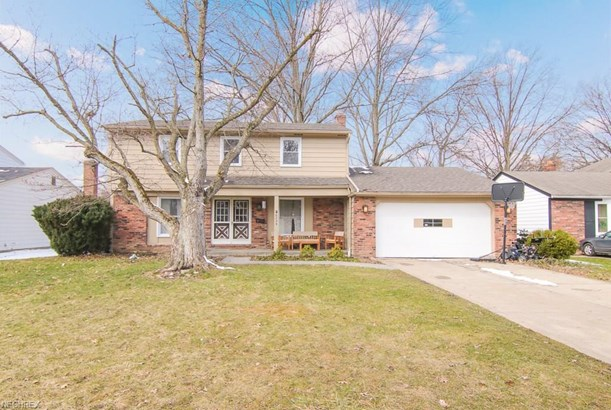 6234 Brighton Dr, North Olmsted, OH - USA (photo 1)