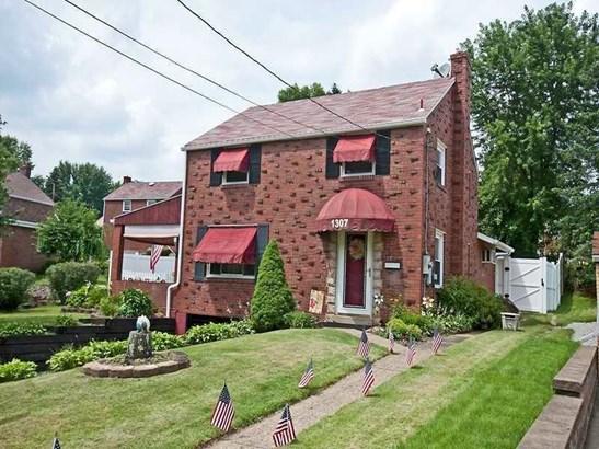 1307 White Oak Drive, Penn Hills, PA - USA (photo 1)