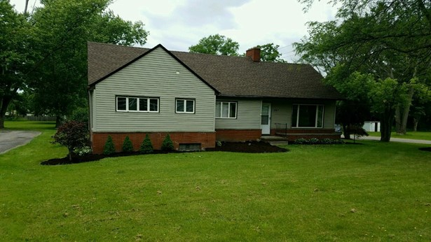 457 Niles Cortland Rd Ne, Warren, OH - USA (photo 1)