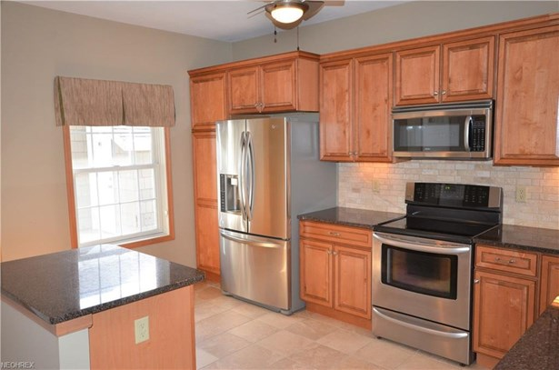 2944 Whispering Shores Dr, Vermilion, OH - USA (photo 4)