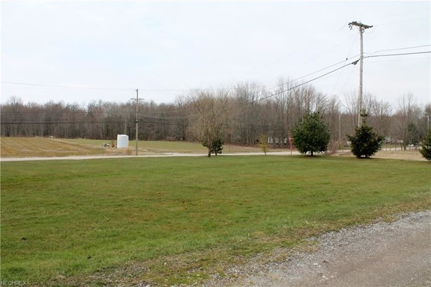 6693 Bushnell Rd, Conneaut, OH - USA (photo 2)