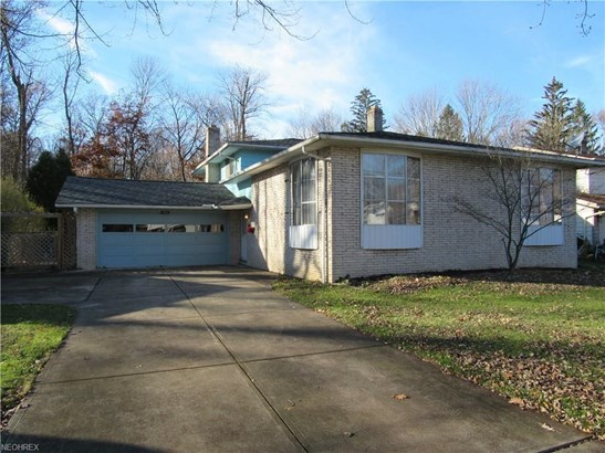 4944 Hampton Dr, North Olmsted, OH - USA (photo 1)