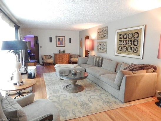 374 Nob Hill Dr, Akron, OH - USA (photo 5)