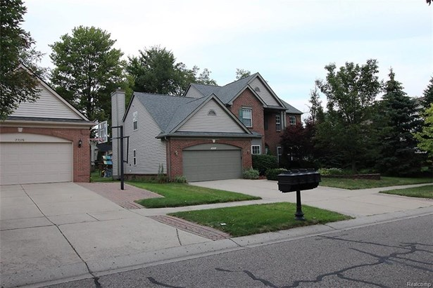 29316 Morningview, Farmington Hills, MI - USA (photo 2)