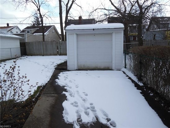 13500 Thornhurst Ave, Garfield Heights, OH - USA (photo 2)