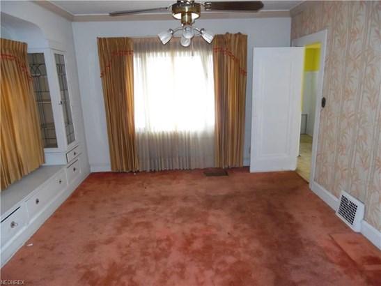 13500 Thornhurst Ave, Garfield Heights, OH - USA (photo 5)