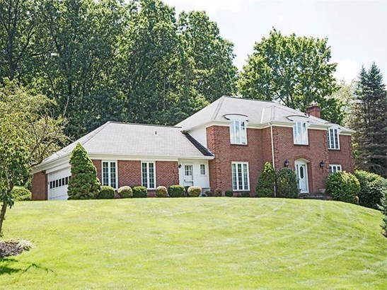 1601 Oakleaf Ln, Franklin Park, PA - USA (photo 1)