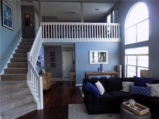 23411 Grist Mill Ct, Olmsted Falls, OH - USA (photo 3)
