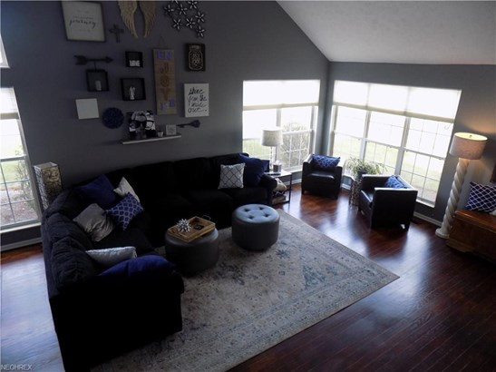 23411 Grist Mill Ct, Olmsted Falls, OH - USA (photo 5)