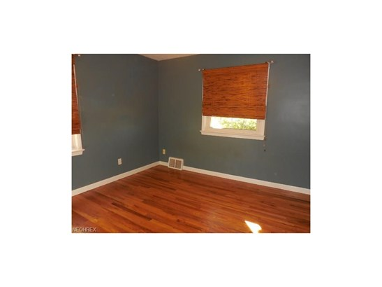 1617 Fruitland Ave, Mayfield Heights, OH - USA (photo 5)