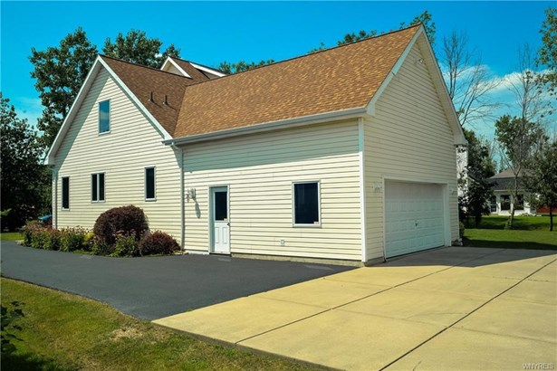 6335 Conner Road, Clarence, NY - USA (photo 2)