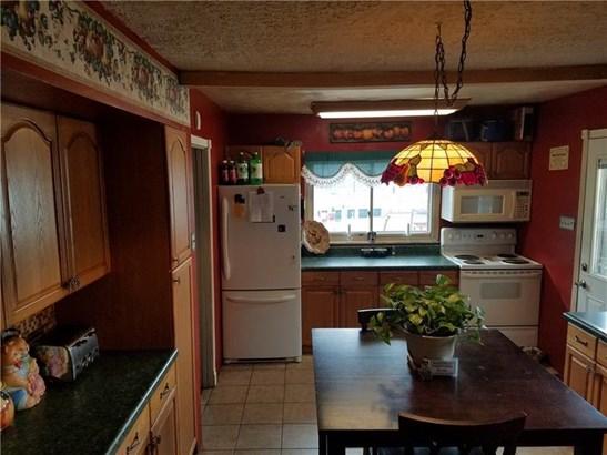 1540 Fayette Ave, Fayette City, PA - USA (photo 4)