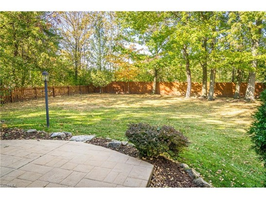 6501 Woodhawk Dr, Mayfield Heights, OH - USA (photo 2)