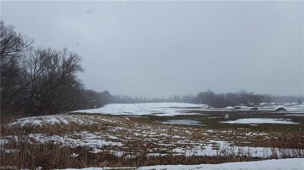 1 1 Woodard Rd, Andover, OH - USA (photo 2)