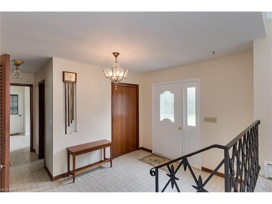 37050 Eagle Rd, Willoughby Hills, OH - USA (photo 2)