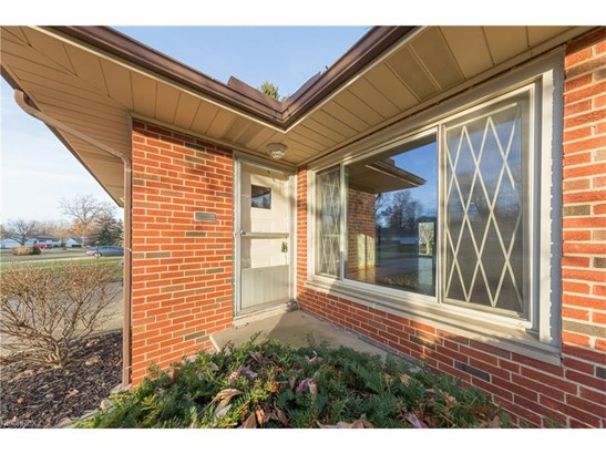 727 Kenbridge Dr, Highland Heights, OH - USA (photo 2)