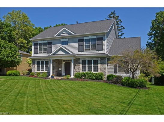 379 Apple Blossom Ln, Bay Village, OH - USA (photo 1)
