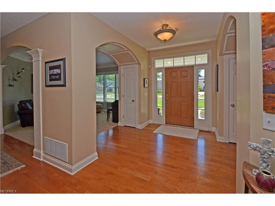 379 Apple Blossom Ln, Bay Village, OH - USA (photo 3)