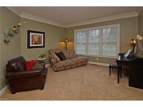 379 Apple Blossom Ln, Bay Village, OH - USA (photo 5)