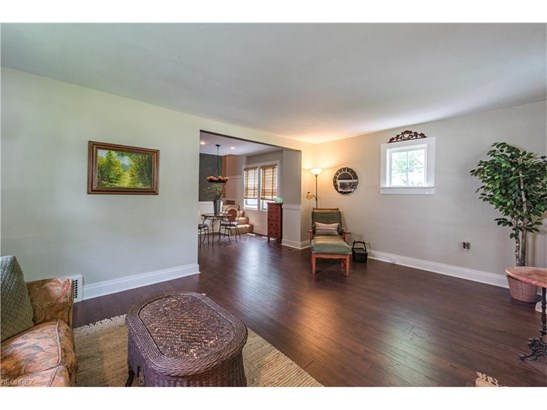 1181 Iroquois Ave, Mayfield Heights, OH - USA (photo 4)
