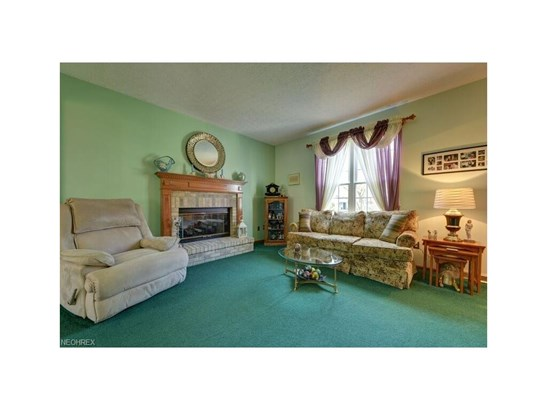 26935 Glenside Ct, Olmsted Township, OH - USA (photo 4)