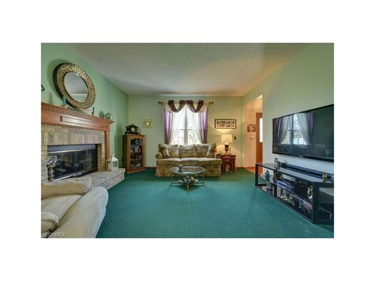 26935 Glenside Ct, Olmsted Township, OH - USA (photo 5)