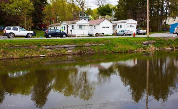 21 Canal St, Schuylerville, NY - USA (photo 3)