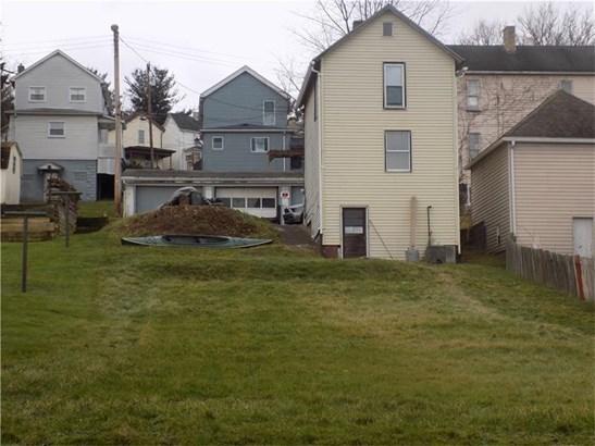 423 1/2 Emerson Street, Vandergrift, PA - USA (photo 3)