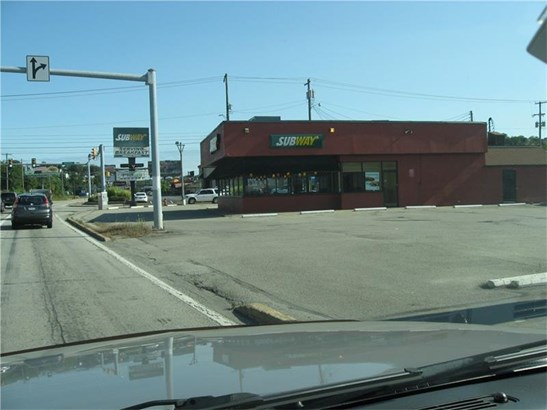 1301 S Main St, Greensburg, PA - USA (photo 3)
