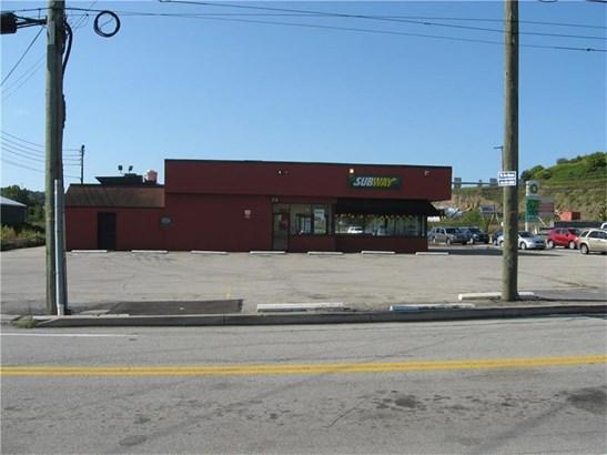 1301 S Main St, Greensburg, PA - USA (photo 4)
