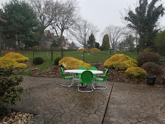 4462 Brownsville Rd, Whitehall, PA - USA (photo 3)