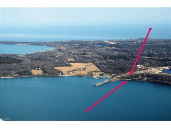359-360 W Lakeshore Dr, Kelleys Island, OH - USA (photo 1)