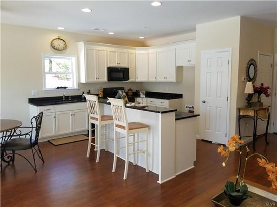 8307 Willow Run Road, Fogelsville, PA - USA (photo 3)