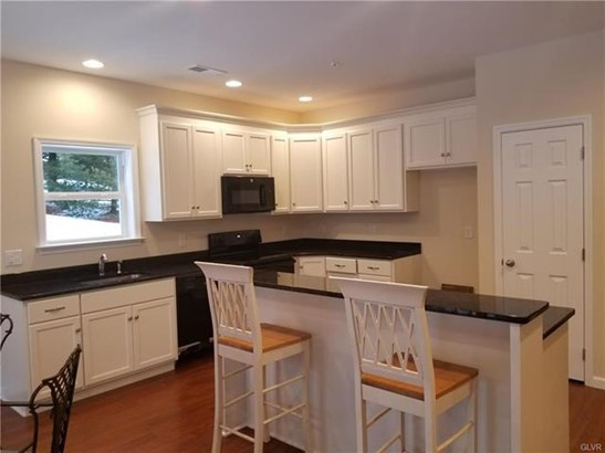 8307 Willow Run Road, Fogelsville, PA - USA (photo 5)