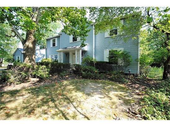 1631 Seven Oaks, Lyndhurst, OH - USA (photo 2)